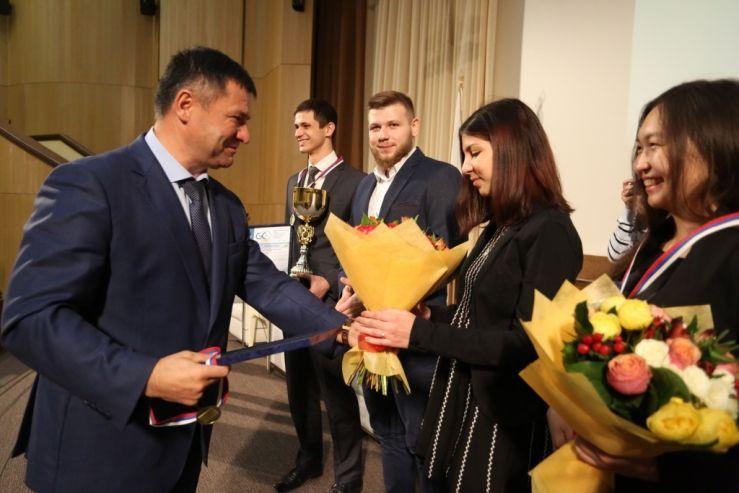 Студенты кафедры управления в составе команды ВГУЭС выиграли Кубок Приморского края по стратегии и управлению бизнесом