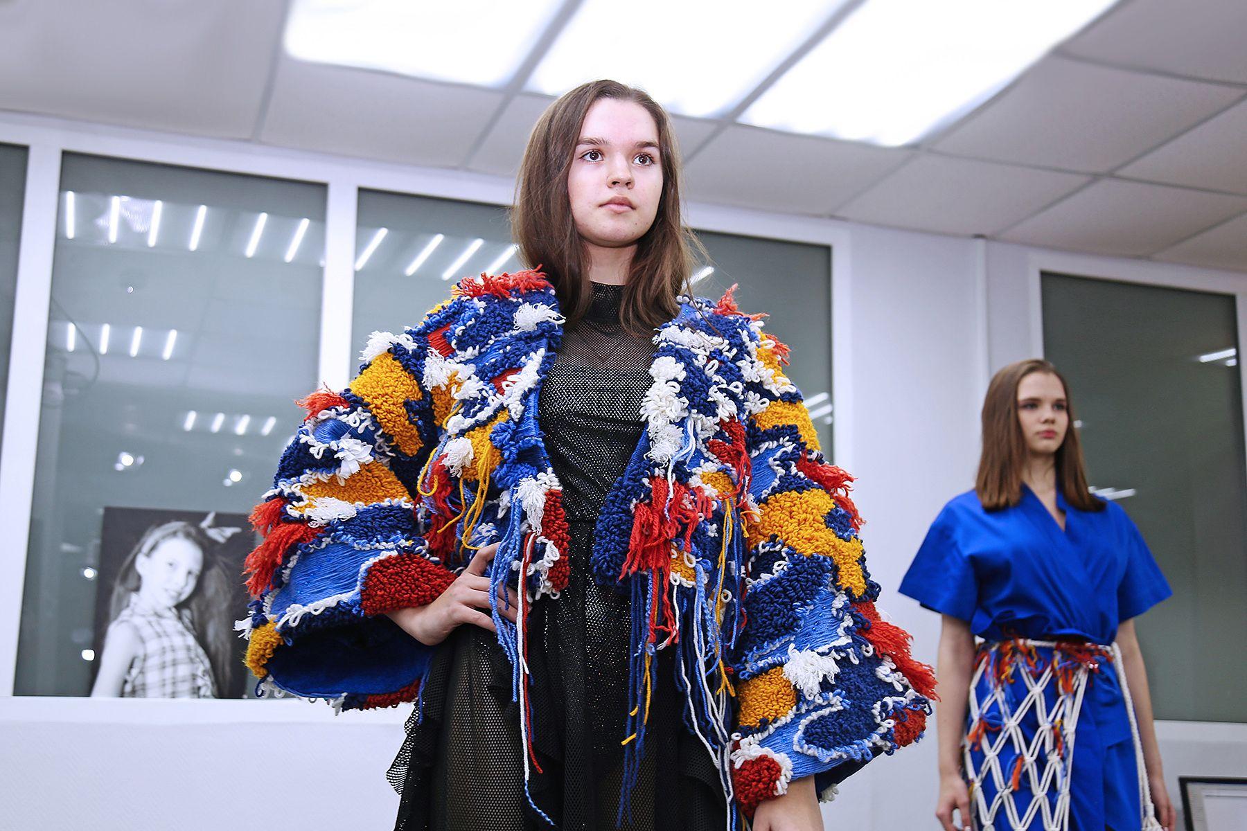 Cтуденты-дизайнеры ВГУЭС представили отчетные коллекции одежды