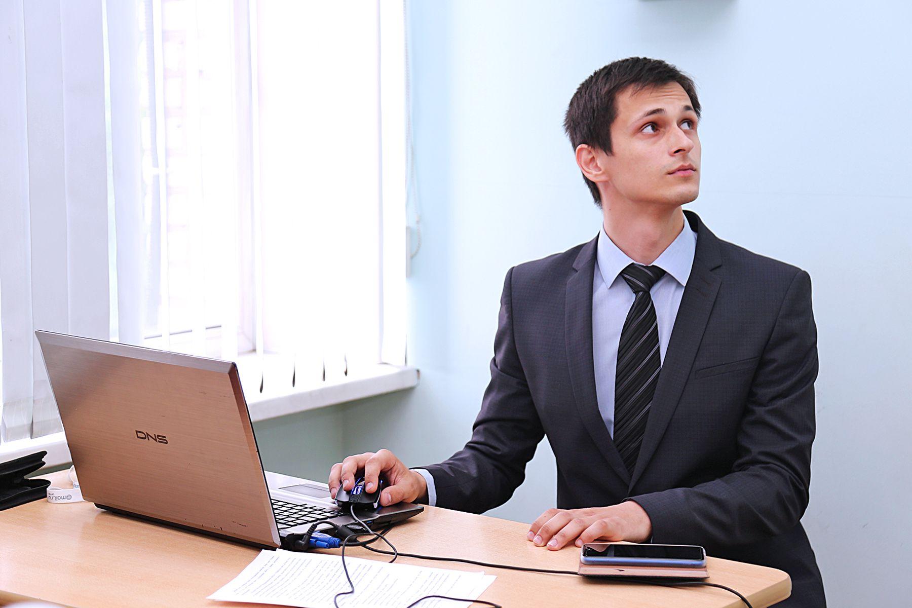 «Сайт запущен, можно играть»: студент ВГУЭС защитил дипломный проект по управлению виртуальной компанией