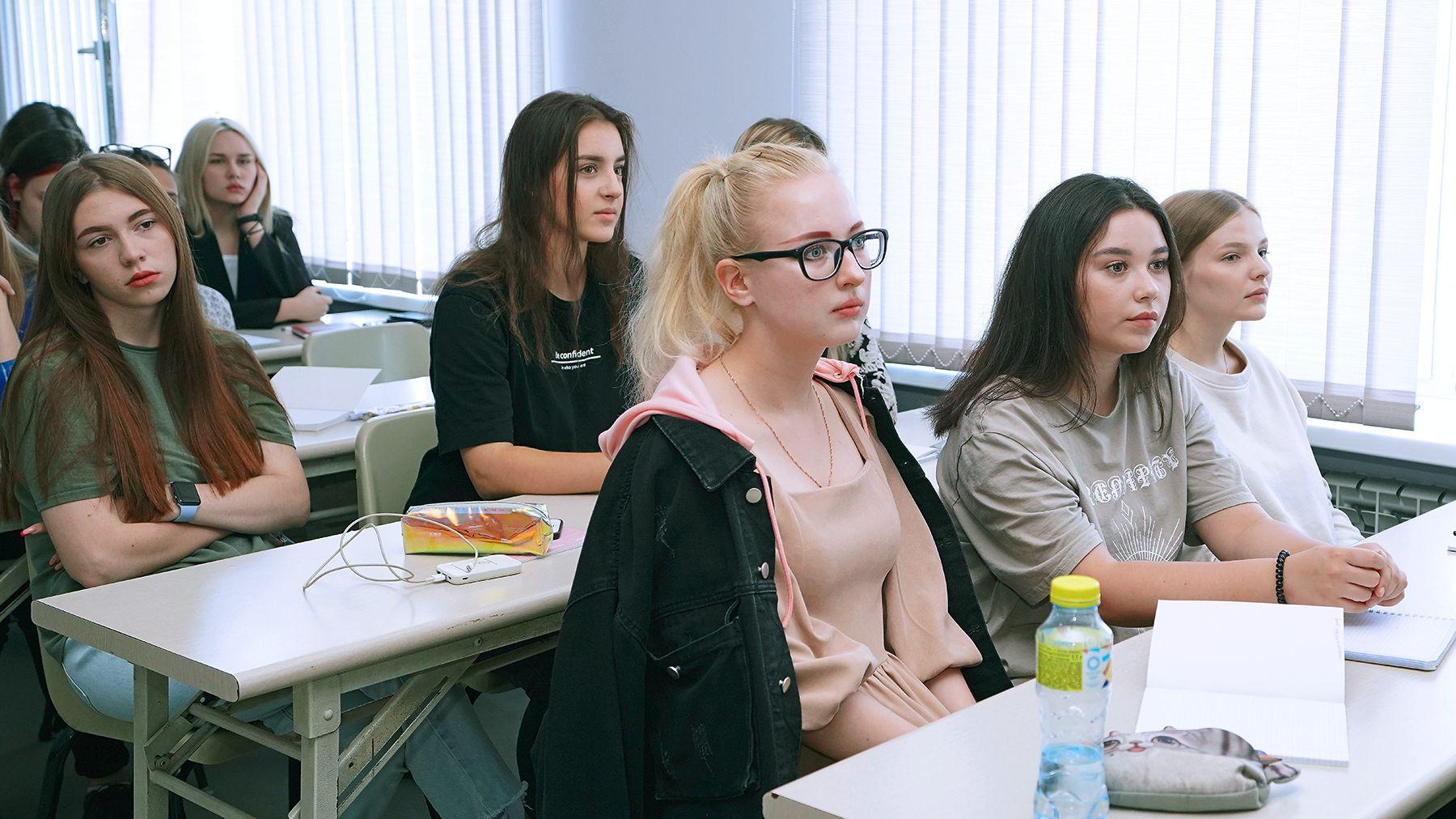Международные отношения в современном бизнесе: студенты ВГУЭС учатся новому у профессионалов