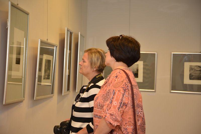 Выставка японской фотогравюры во ВГУЭС – подарок ко Дню рождения Владивостока