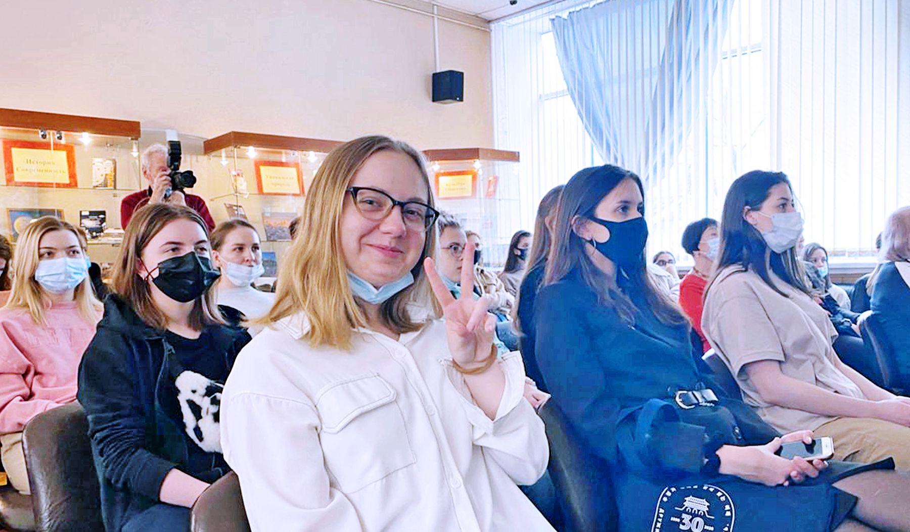 Студенты-международники ВГУЭС узнали о перспективах сотрудничества Владивостока и Республики Корея от генерального консула, г-на О Сунг Хвана