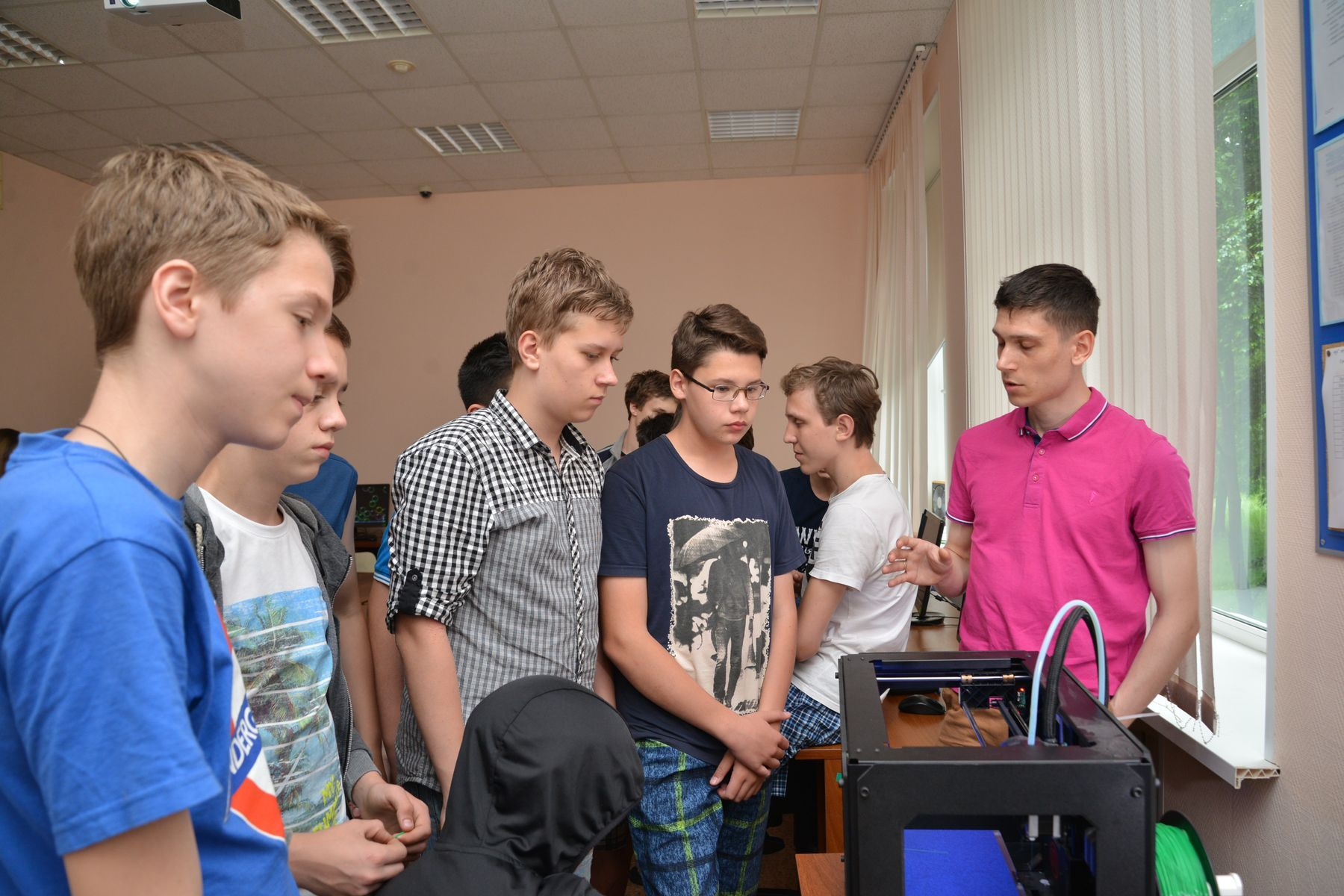 «Малая компьютерная академия» во ВГУЭС: экскурсия в мир IT-технологий