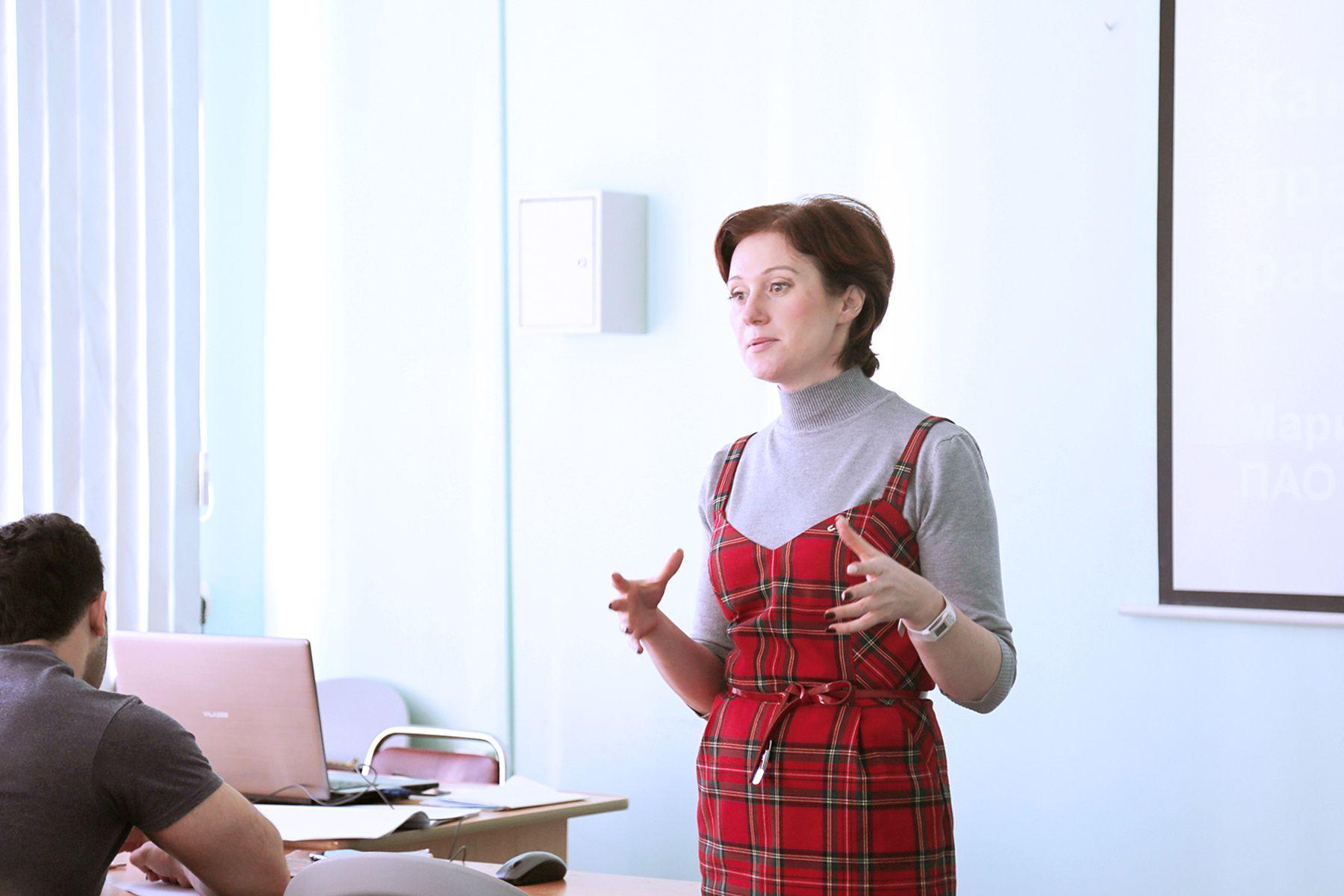«Приглашенный спикер» во ВГУЭС: пройти практику и остаться работать - это реально