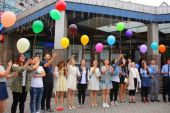 Chinese students majoring in linguistics successfully graduated from VSUES