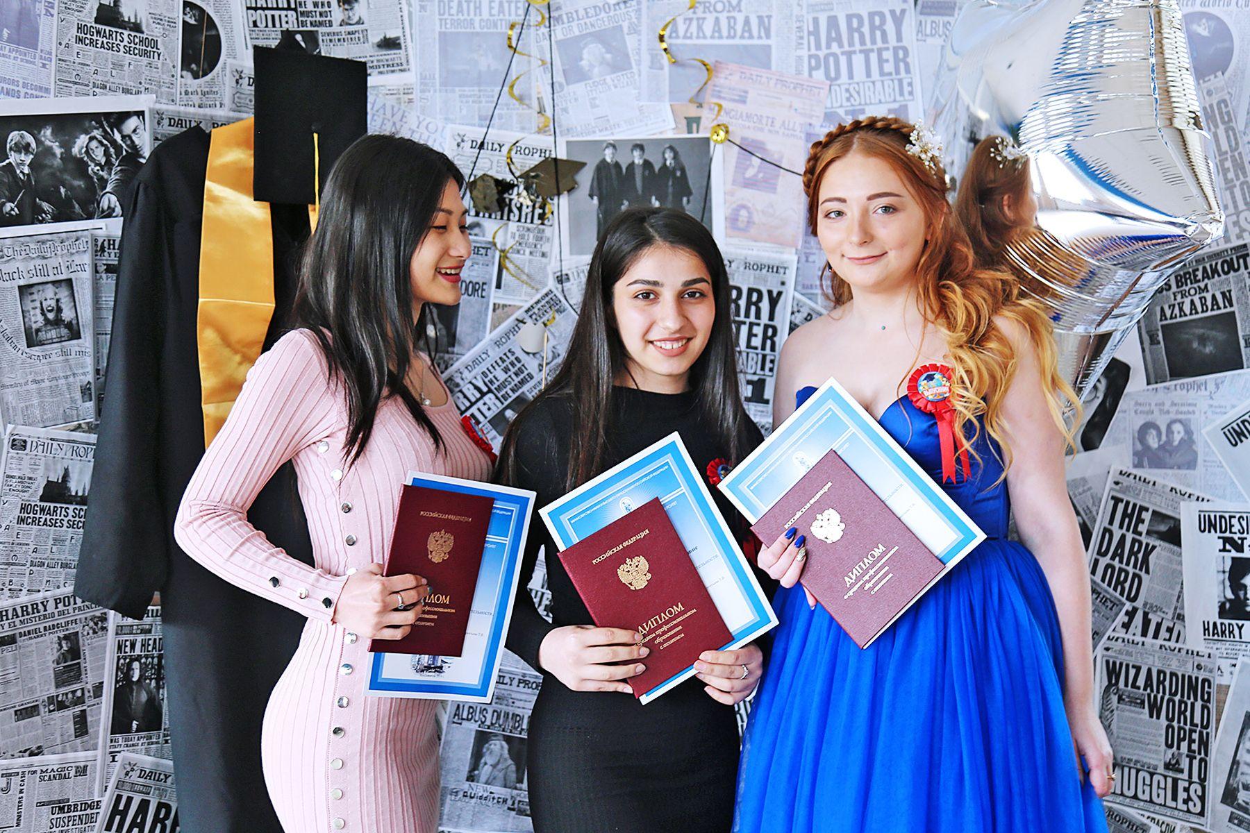 Колледж сервиса и дизайна ВГУЭС-2019: каждый восьмой выпускник с красным дипломом