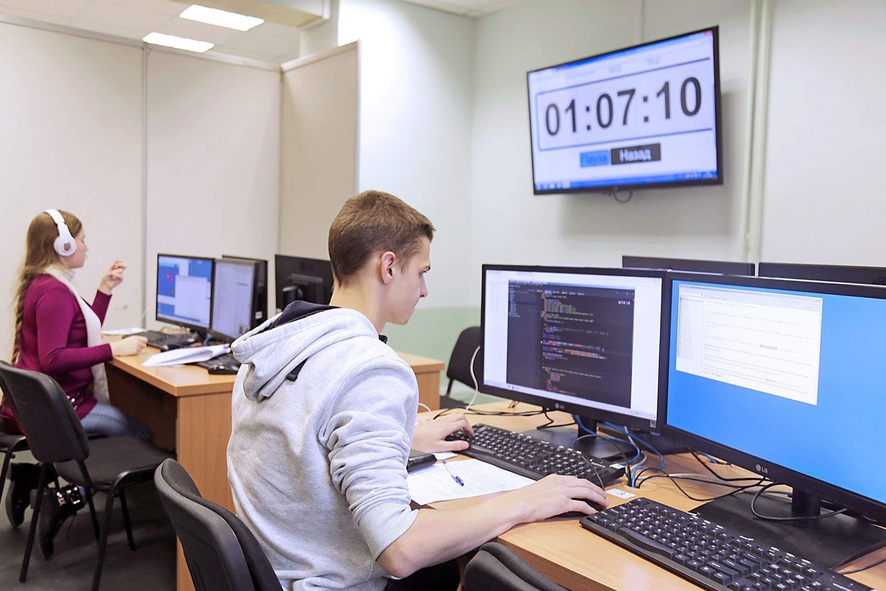 Студенты ВГУЭС подтвердили свои знания и навыки на демоэкзамене «Веб-дизайн и разработка»