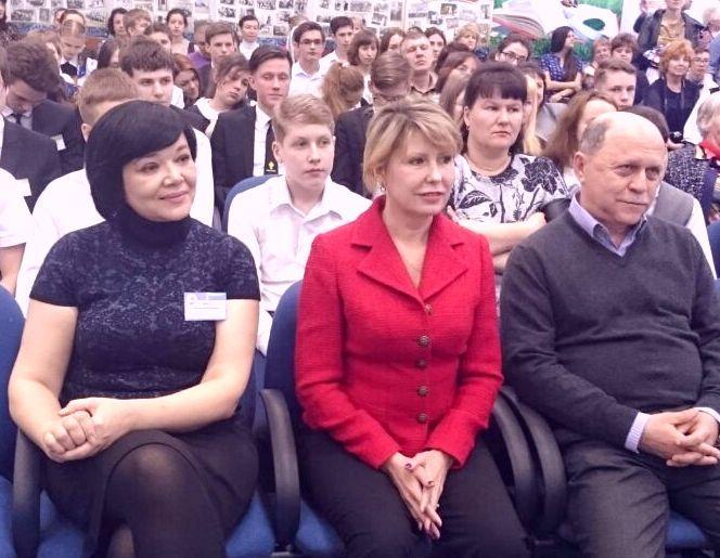 В Школе-интернате ВГУЭС для одаренных детей собрались на конкурс будущие светила российской науки