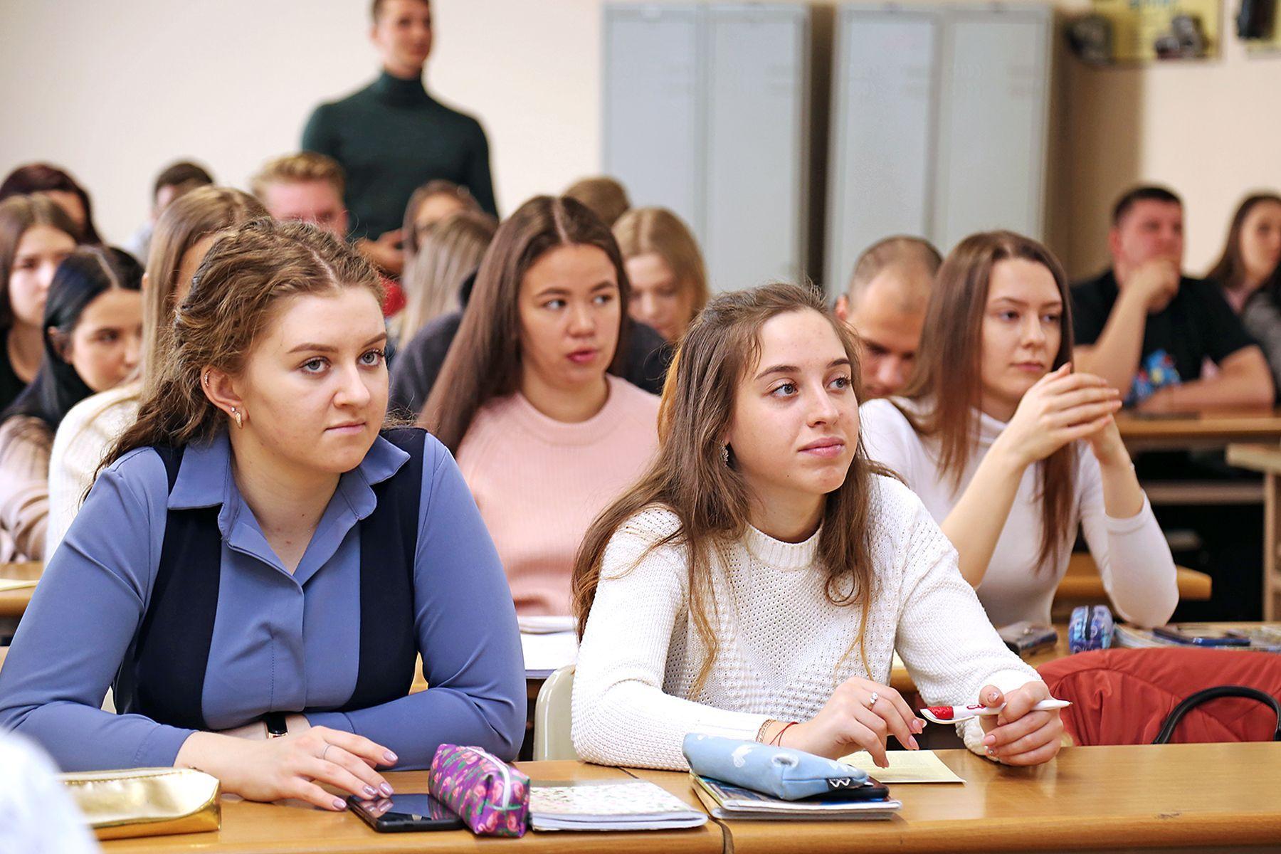 Руководитель центра «Абитуриент» ВГУЭС рассказала о технологии выбора профессии с пяти лет и до поступления в университет