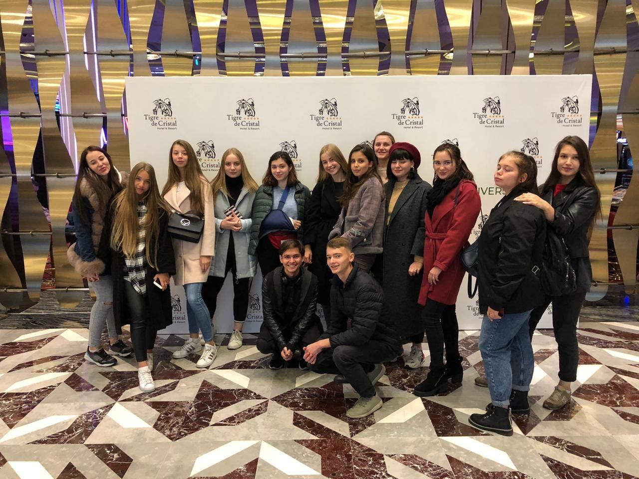 Cтуденты Академического колледжа ВГУЭС посетили отель класса люкс Tigre de Cristal