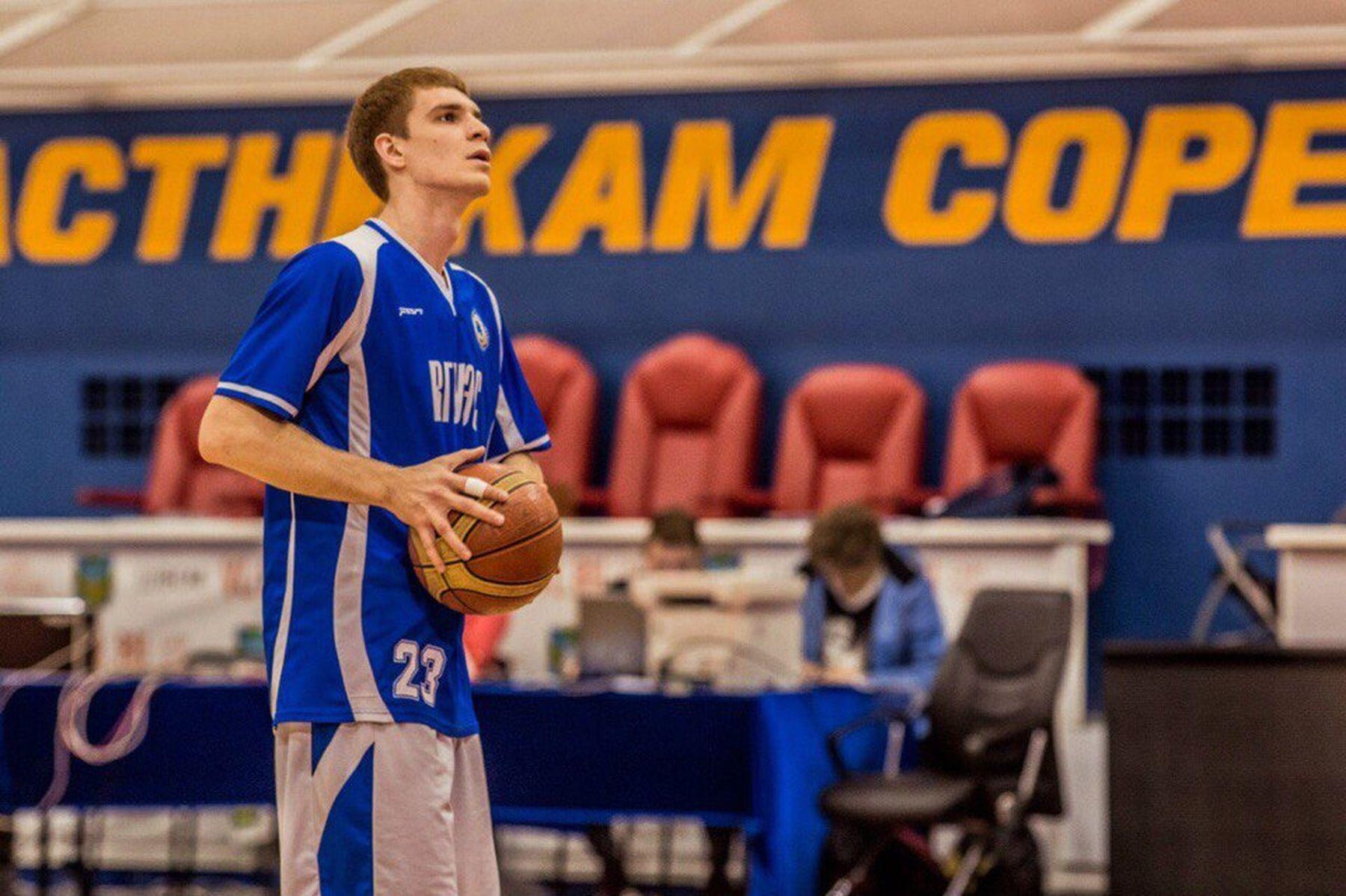 Мужская сборная ВГУЭС по баскетболу радует победами