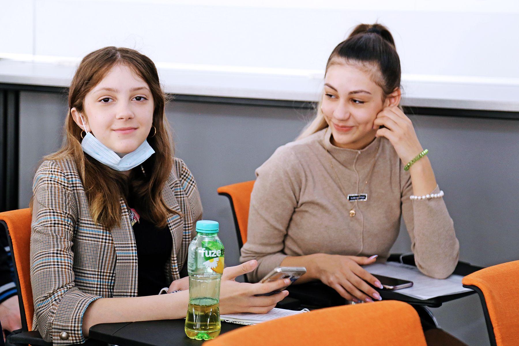 XVIII Международная молодёжная экологическая конференция «Человек и биосфера» во ВГУЭС: пять научно-исследовательских секций и более 200 участников