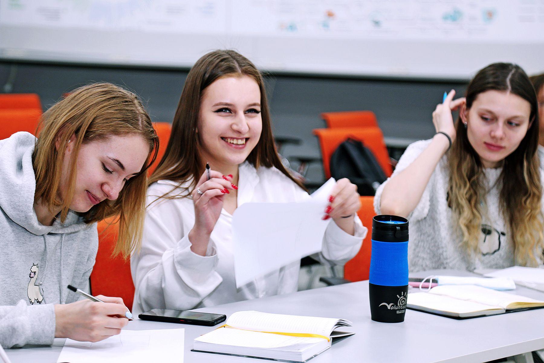 Во ВГУЭС стартовала экспериментальная образовательная программа «Эффективный помощник руководителя»