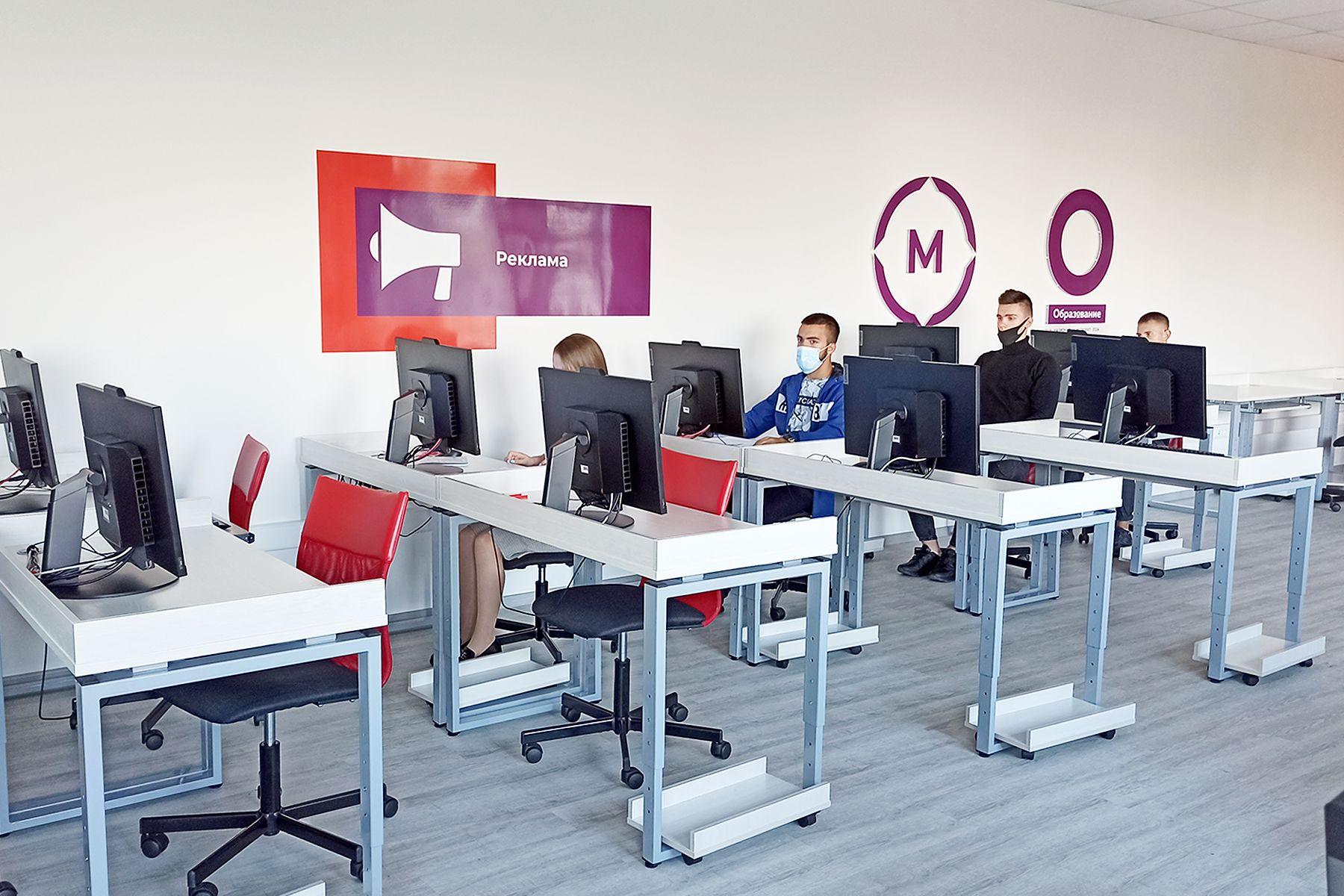 Демонстрационный экзамен по стандартам WS по компетенции «Реклама» сдали студенты ВГУЭС