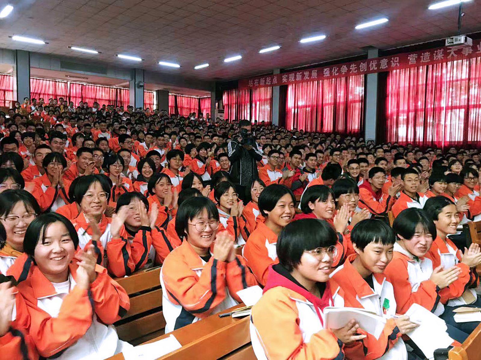 Делегация ВГУЭС открыла «Базы студентов» в десяти школах провинции Шаньдун (КНР)