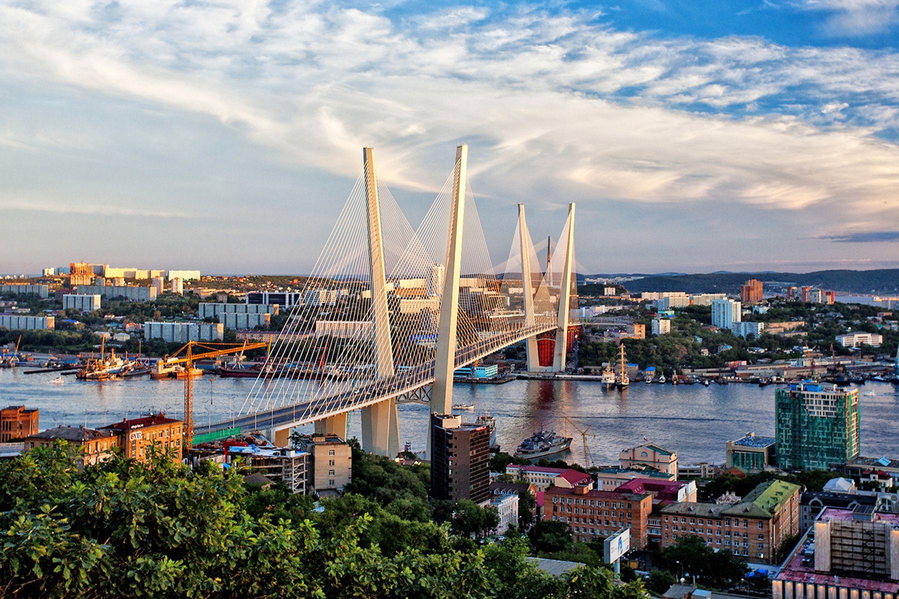 The Pacific Gate of Russia во ВГУЭС для студентов из США: спецкурс по развитию Дальнего Востока и его столицы