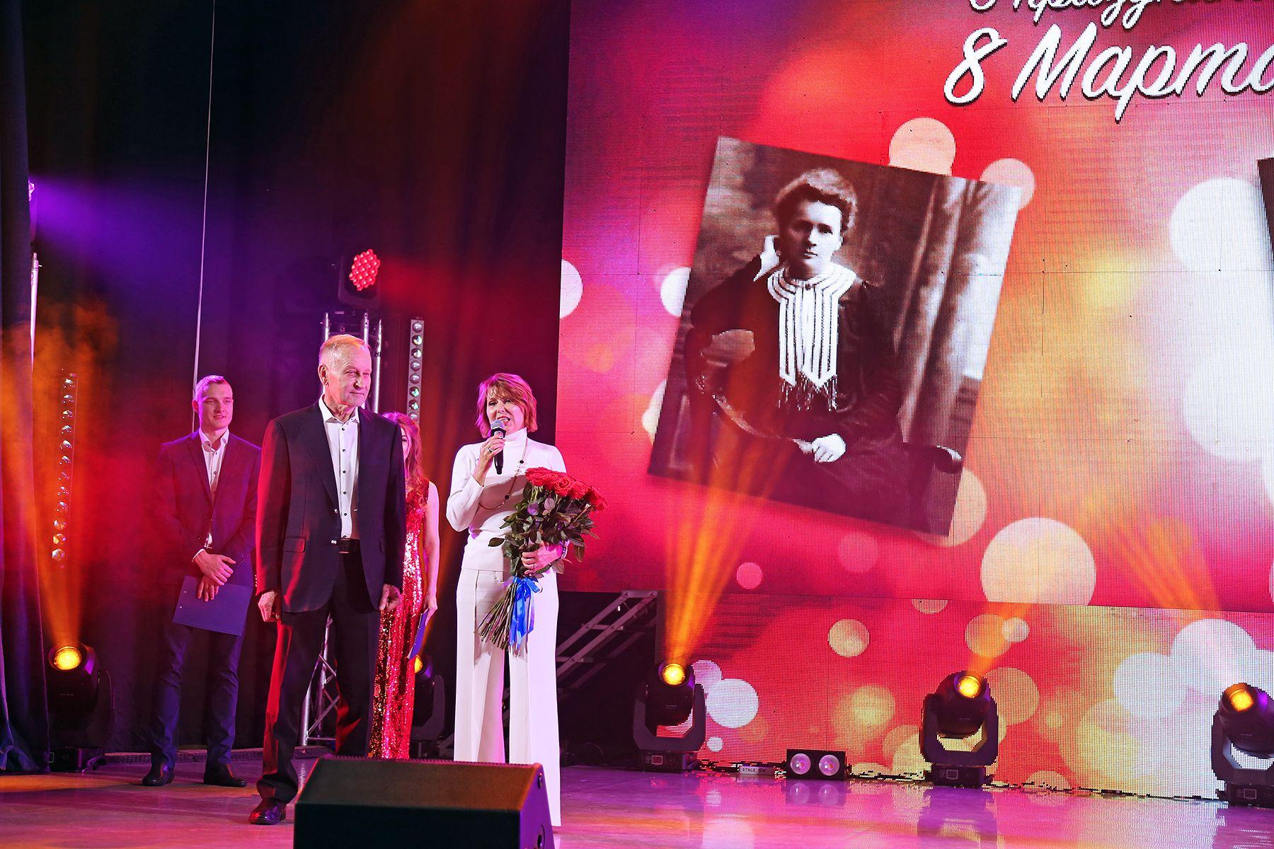 «Великие о великих»: праздничный концерт, посвященный Международному женскому дню во ВГУЭС