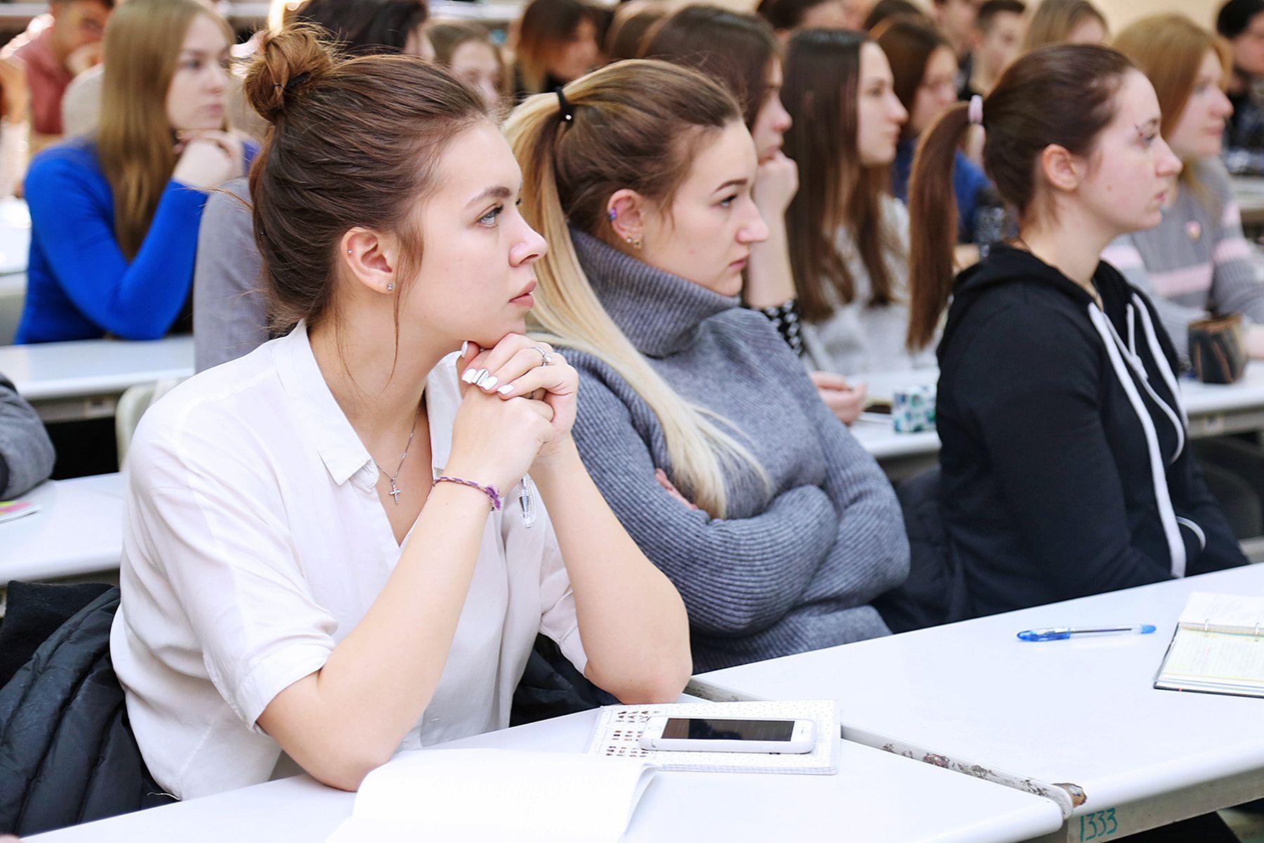 Экономическая безопасность: студентов ВГУЭС готовят к реальным условиям на рынке труда