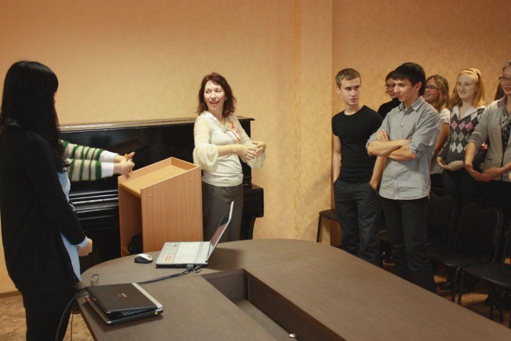 Студенты кафедры русского языка ВГУЭС дали урок дружбы и взаимопонимания