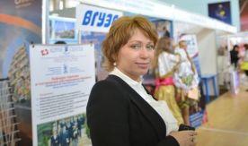 Директор Международного института туризма и гостеприимства ВГУЭС Галина Гомилевская отвечает на вопросы абитуриентов