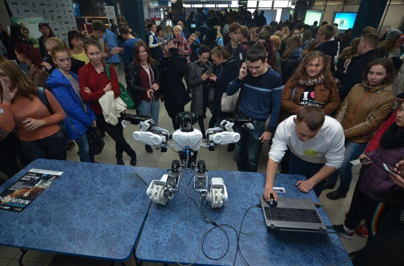 Всероссийский фестиваль «Nauka 0+» во ВГУЭС: робот Адам, 3D-сканер