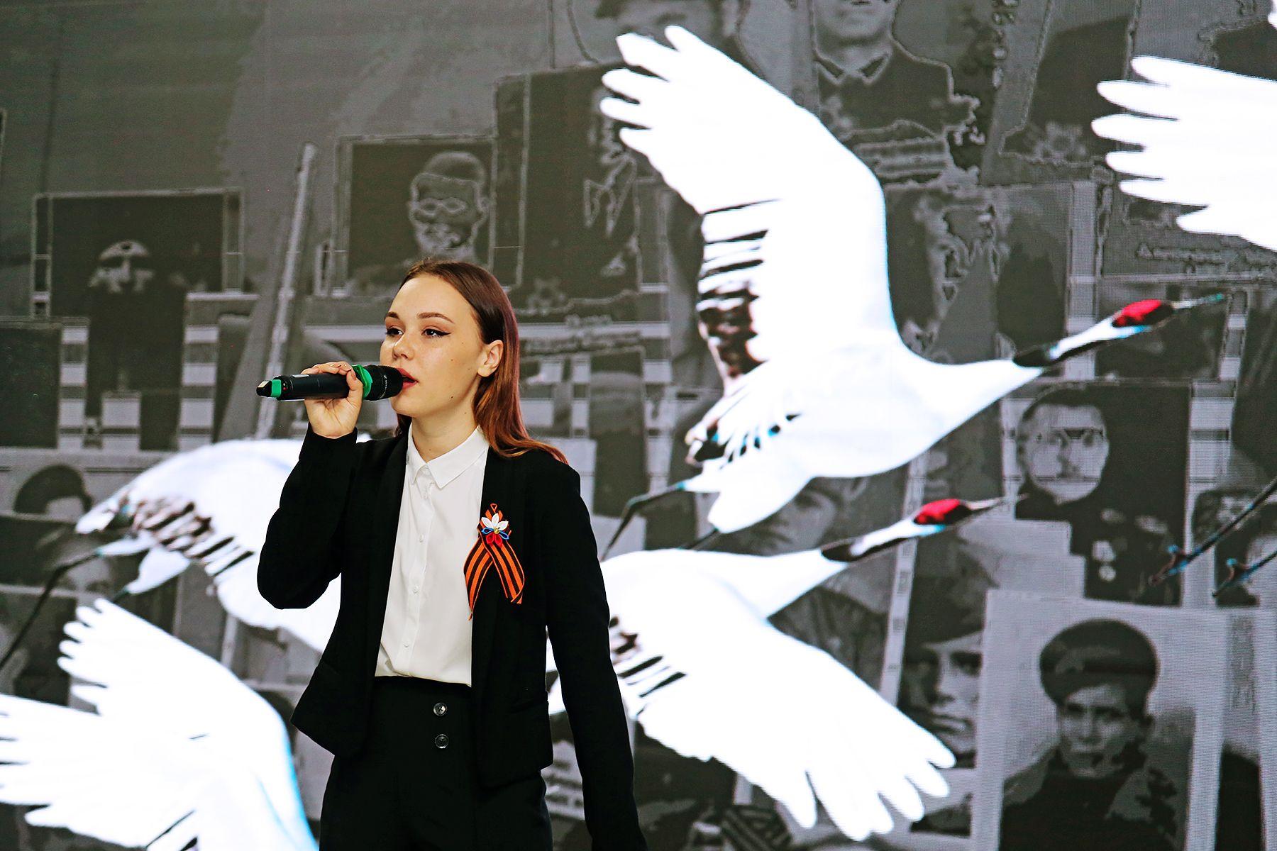 День победы во ВГУЭС: экспозиция «Журавли победы» открылась в торжественной обстановке