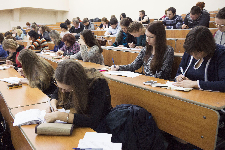 ВГУЭС: Приглашаем всех желающих на открытые курсы по подготовке к Тотальному диктанту