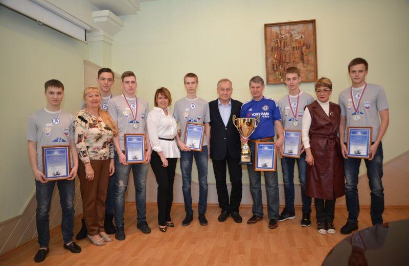 Студенты Академического колледжа ВГУЭС- чемпионы страны по мини-футболу