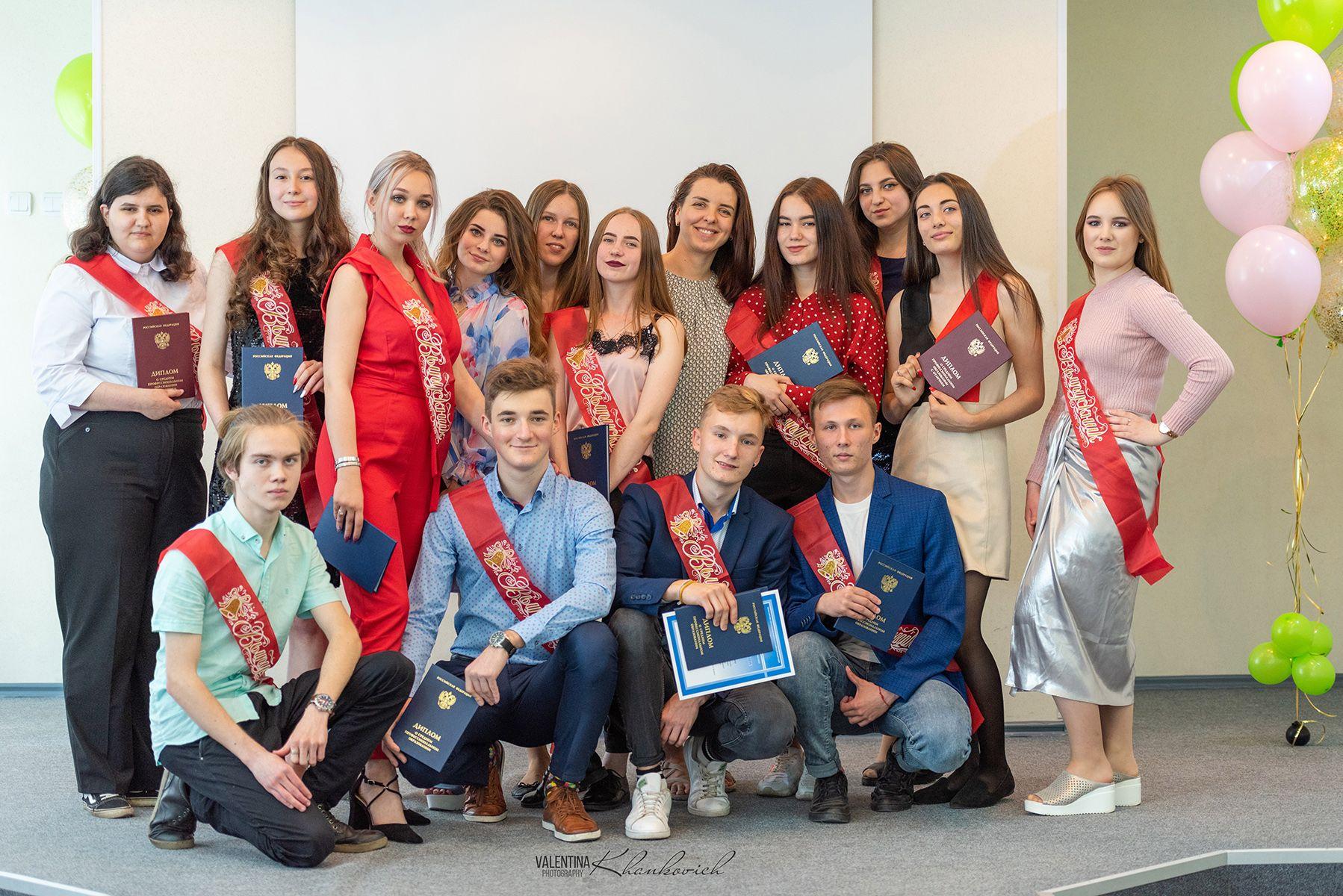 Выпускной Колледжа индустрии моды и красоты ВГУЭС: дипломники трудоустроены и продолжат обучение в университете
