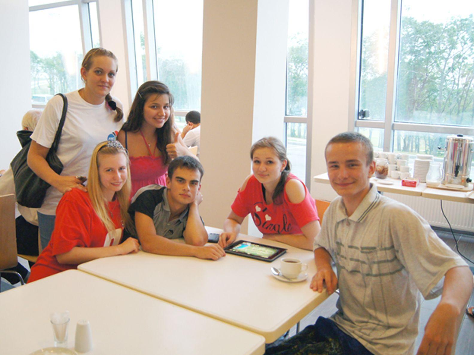 Студенты ВГУЭС задействованы на объектах саммита АТЭС