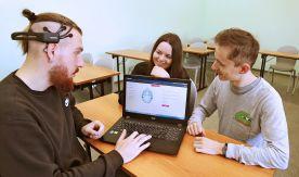 Научный опыт. Студенты ВГУЭС учатся управлять объектами «силой мысли»