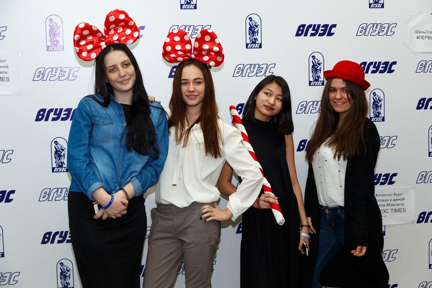 Молодёжные объединения ВГУЭС создали яркий студенческий праздник