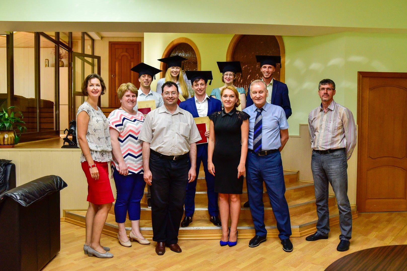 ВГУЭС вручает дипломы пятому выпуску программы MBA