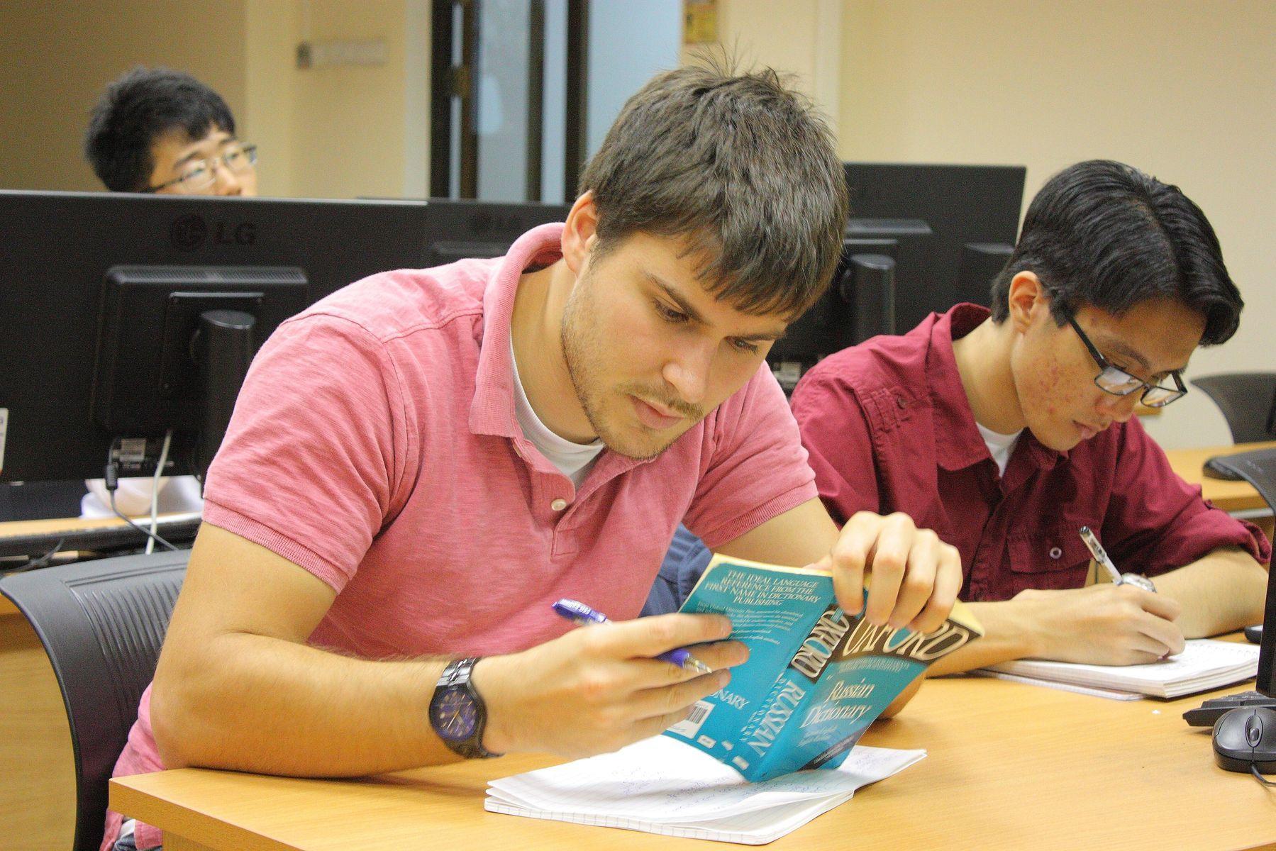 Мультикультурная и мультиязыковая среда ВГУЭС привлекла этим летом студентов из семи стран мира