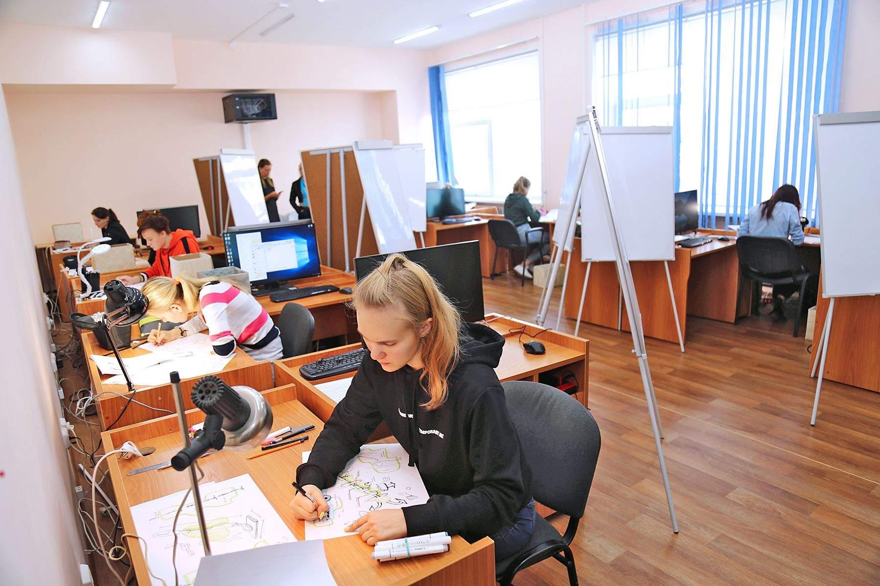 Во ВГУЭС прошел второй демонстрационный экзамен по стандартам WorldSkills по компетенции «Промышленный дизайн»