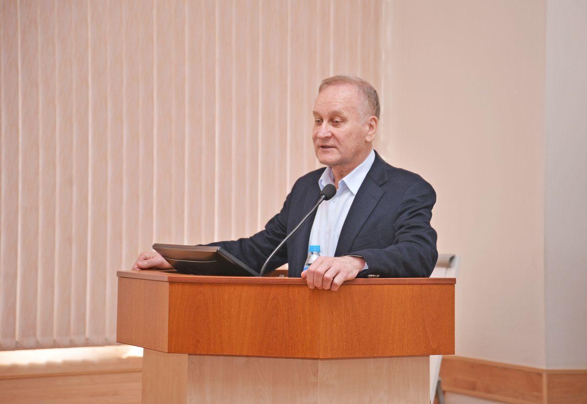 Президент ВГУЭС Геннадий Лазарев: «Эффективно, целенаправленно, постоянно работать над повышением качества образования»