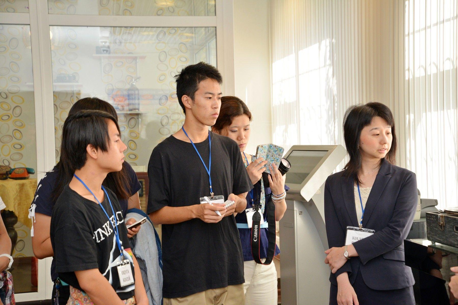 ВГУЭС знакомит японских студентов из Университета окружающей среды Тоттори с особенностями русской культуры