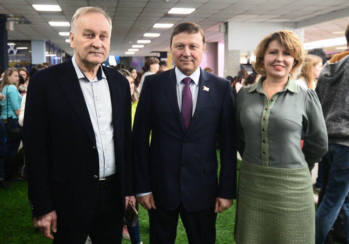Председатель Законодательного Собрания Приморского края поздравил студентов ВГУЭС