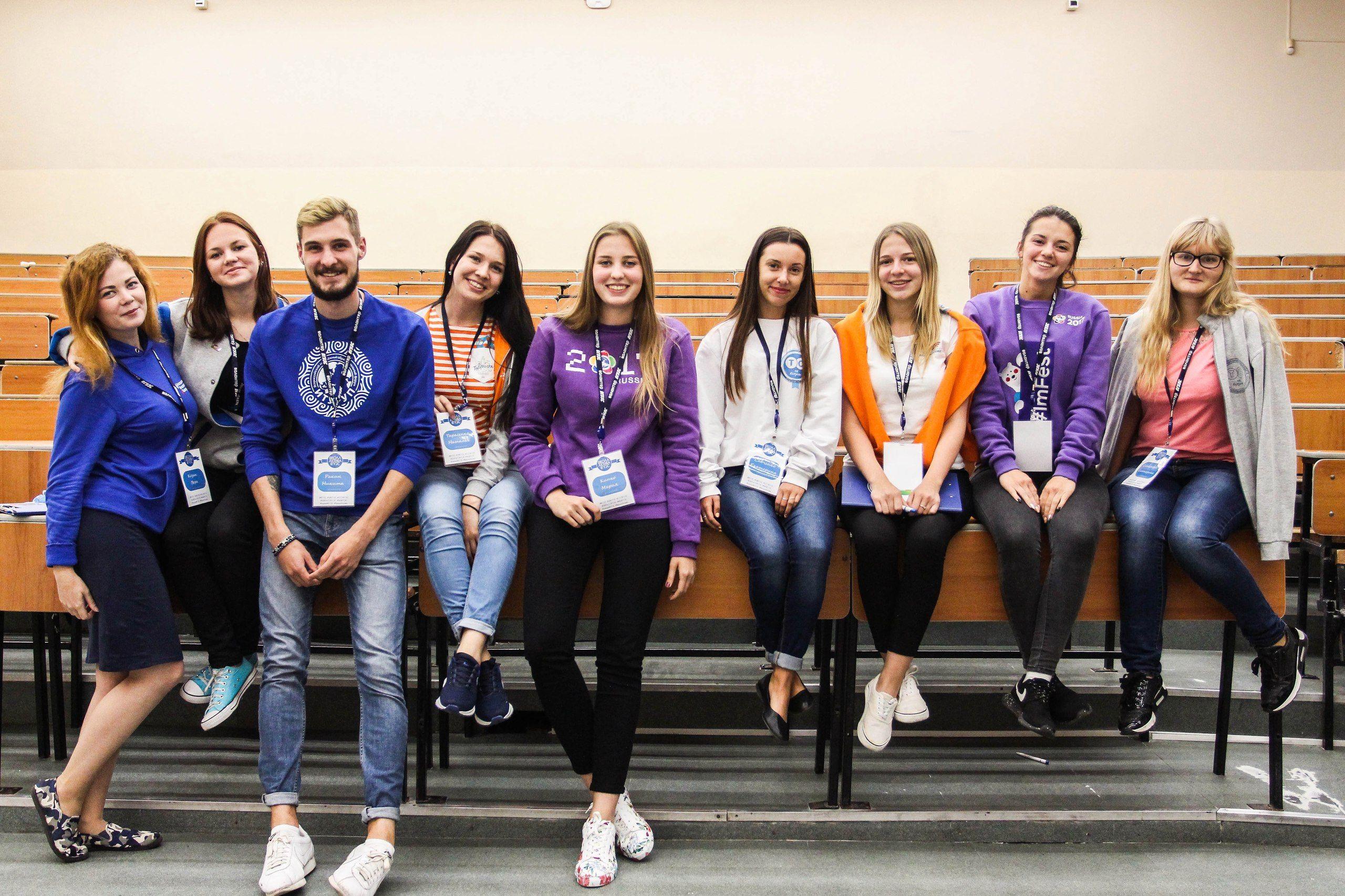 Активное погружение в настоящий студенческий мир ждет первокурсников ВГУЭС