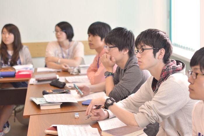 Иностранные студенты приезжают во ВГУЭС за качественным образованием