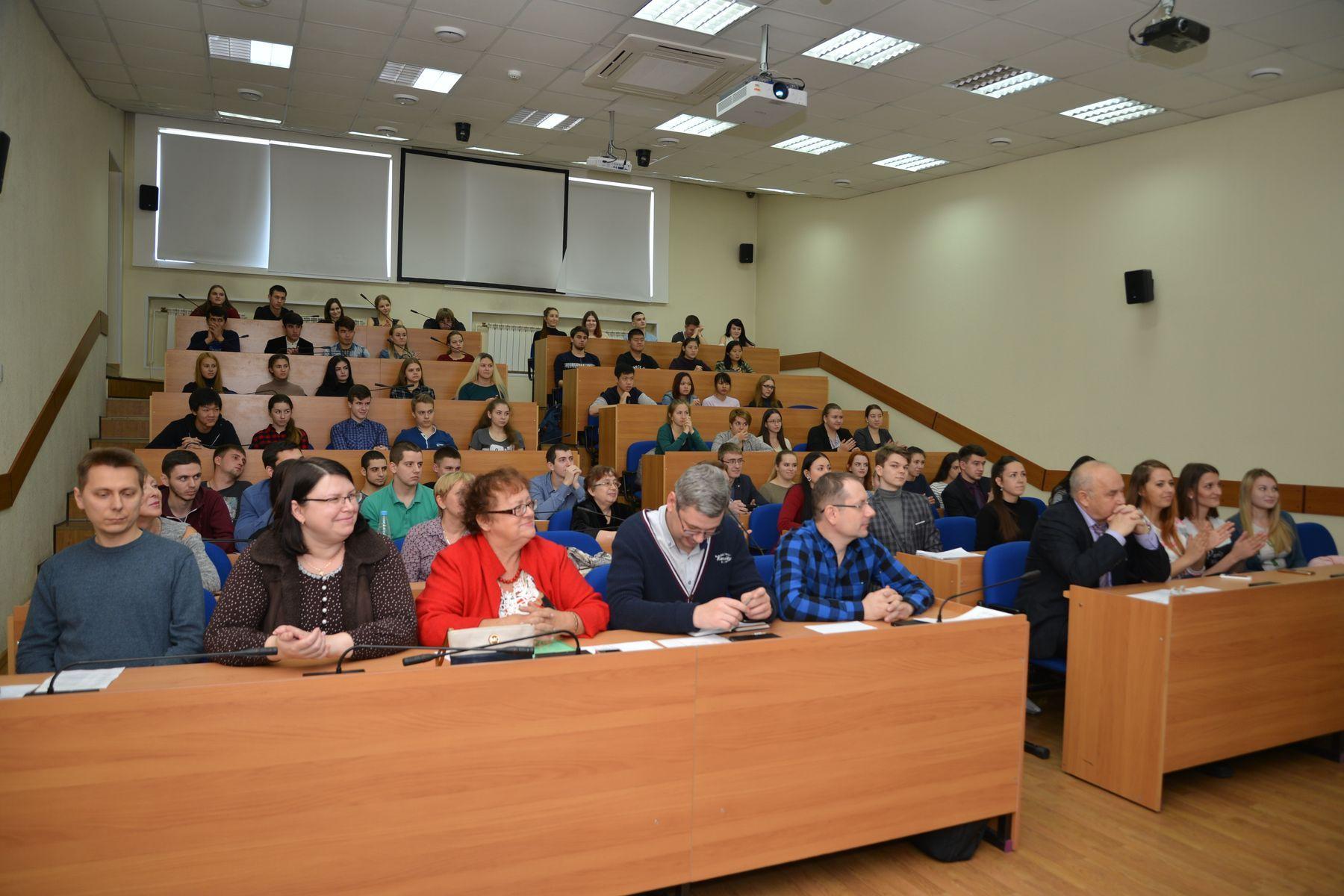 Молодые ученые ВГУЭС презентовали научные работы