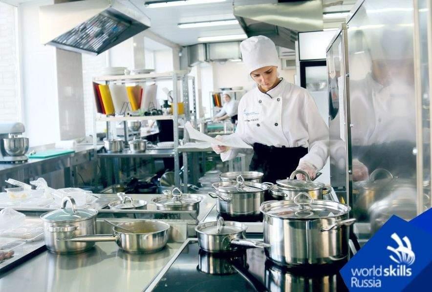Самая вкусная профессия: во ВГУЭС начался демоэкзамен по стандартам WorldSkills по компетенции «Поварское дело»