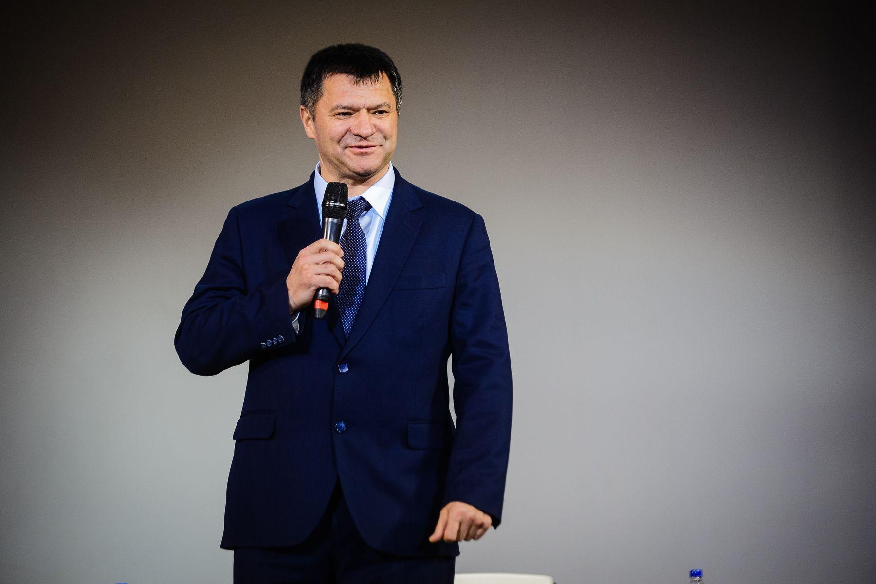 Губернатор предложил студентам ВГУЭС работу в администрации Приморского края