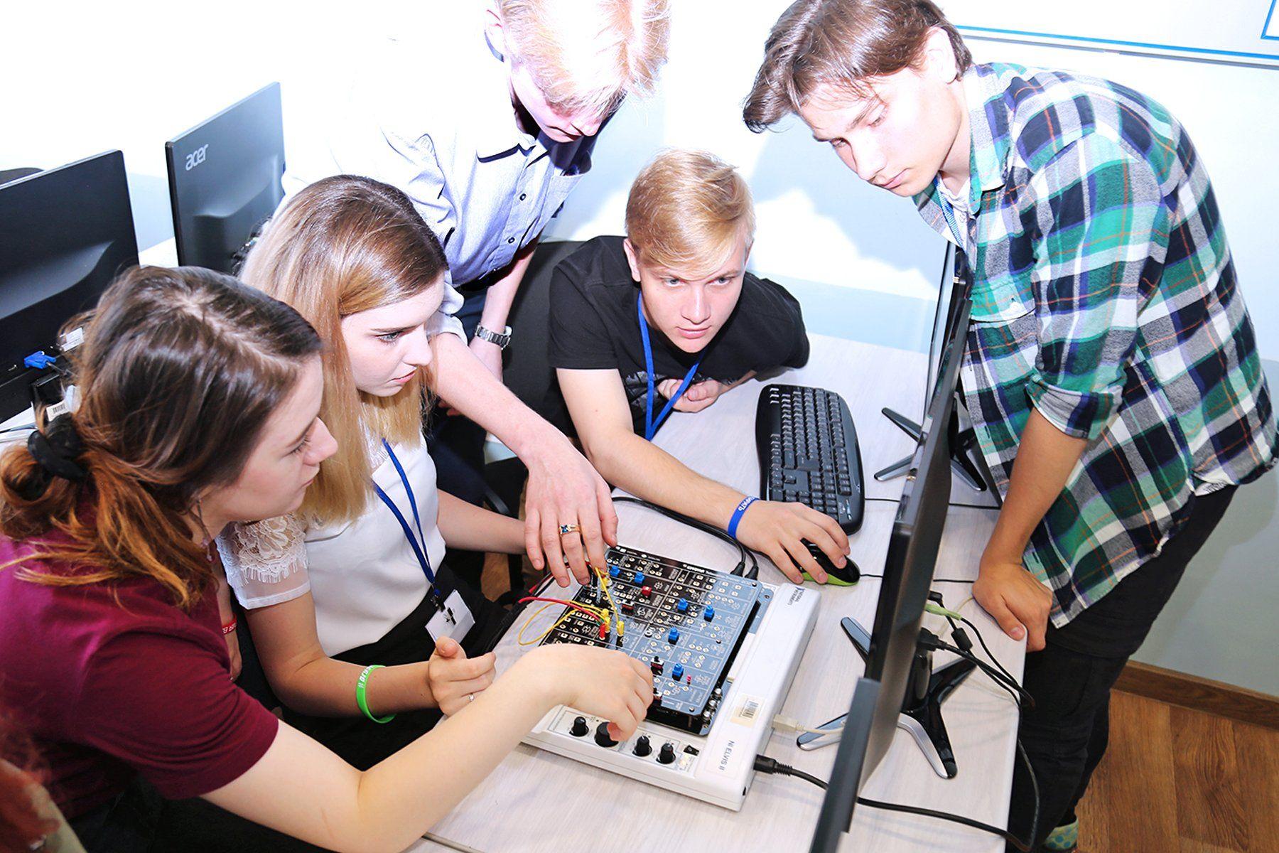 Приглашенный спикер – студентам ВГУЭС: 5G – технология будущего?