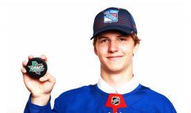 Студент ВГУЭС Виталий Кравцов успешно дебютировал в регулярном чемпионате НХЛ
