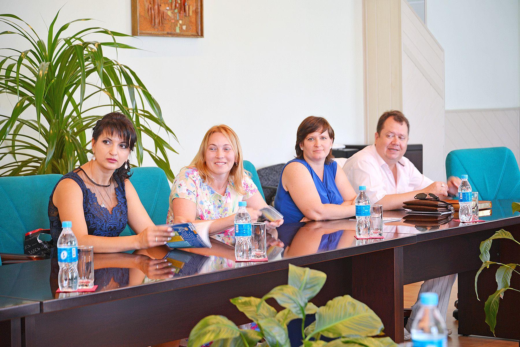 «Вот бы сейчас поучиться»: первые выпускники Института права навестили ВГУЭС