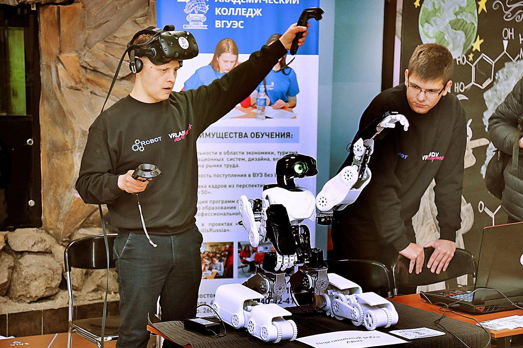 Изобретение выпускника ВГУЭС — робот ADAM — поможет резидентам детского технопарка «Кванториум» изучать робототехнику