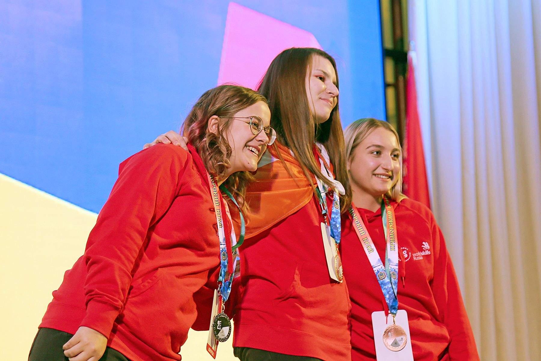 Студенты ВГУЭС блестяще завершили региональный чемпионат «Молодые профессионалы»