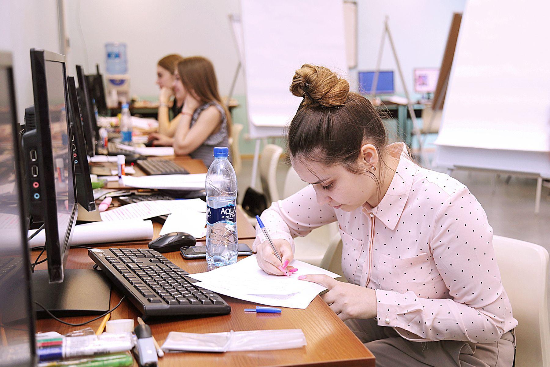 Студентов ВГУЭС проверяют по двум компетенциям: «Предпринимательство» и «Парикмахерское искусство»