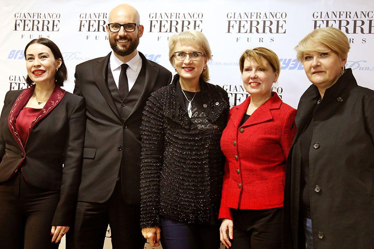 Gianfranco Ferre на Неделе моды во ВГУЭС представил коллекцию меховых изделий осень-зима 2018-2019